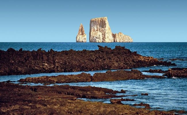galapagos-islands-coast-ecuador-by-rgdaniel