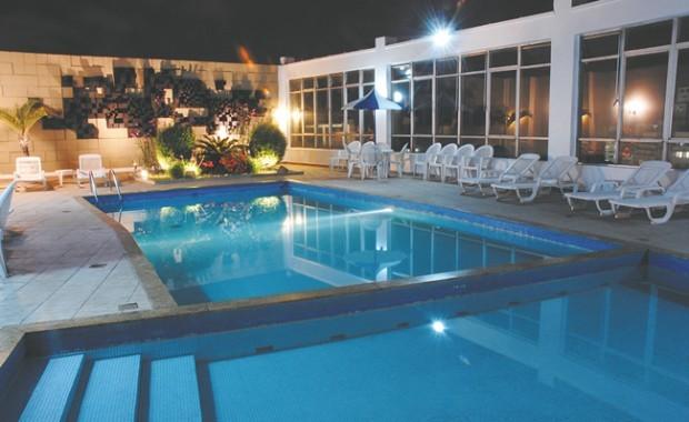 belo-horizonte-othon-hotel-pool[1]