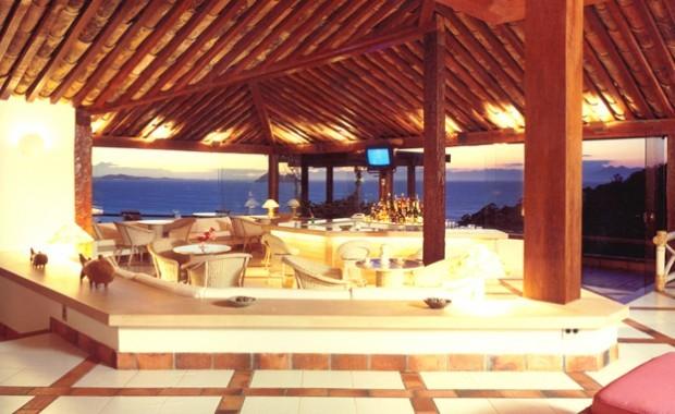 buzios-rio-de-janeiro-brazil-colonna-galapagos-garden-hotel-bar-area[1]