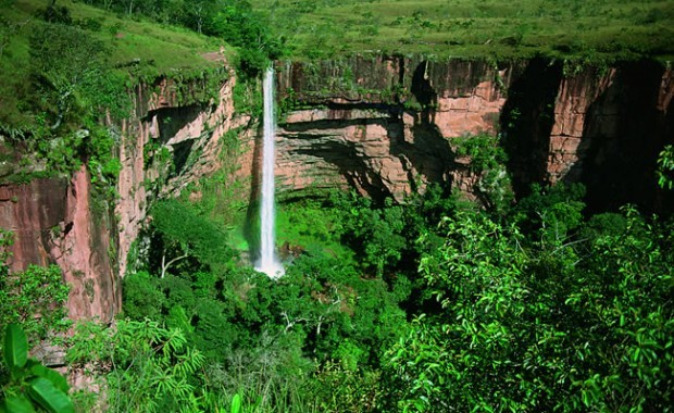pantanal-north-cuiaba-waterfall[1]
