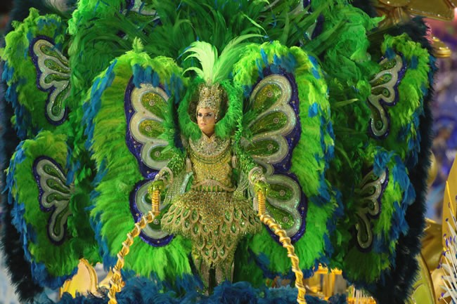 rio-carnival-samba-parade-sambadrome-float-at-the-parade-luxurious-costume-academicos-rocinha