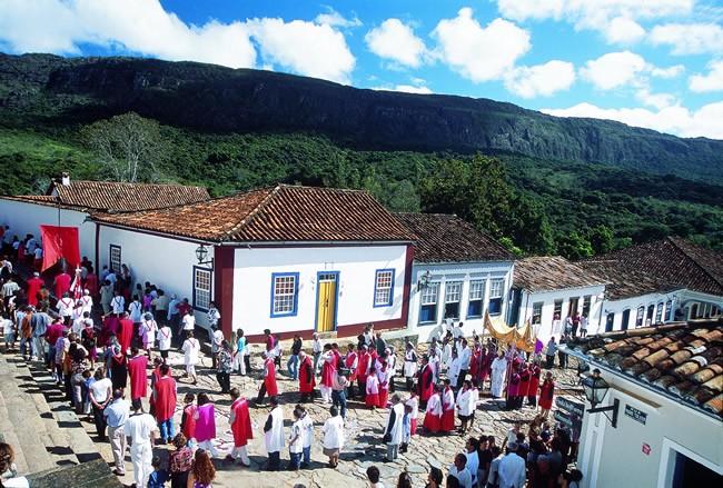 tiradentes-minas-gerais-brazil-religious-procession