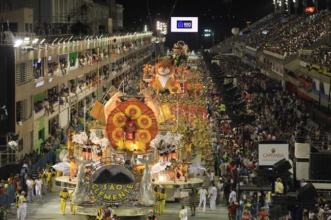 rio-carnival-carnival-samba-parade-sambadrome-overview-sao-clemente