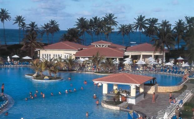 costa-sauipe-bahia-superclubs-breezes-pool-area[1]