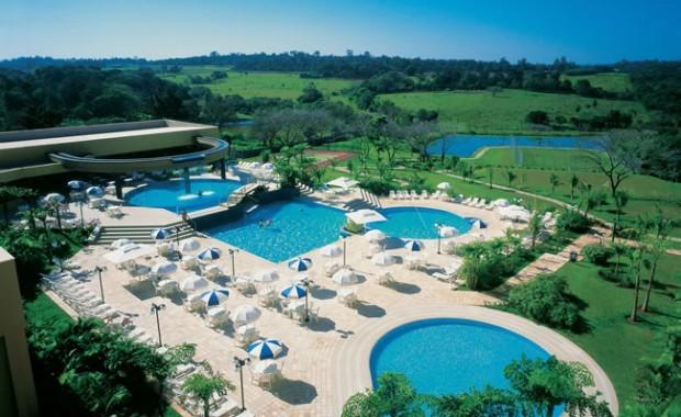 iguazu-falls-brazil-cataratas-mabu-thermas-hotel-pool-area[1]