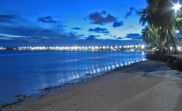 maceio-alagoas-brazil-ponta-verde-beach[1]