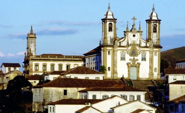 ouro-preto-minas-gerais-colonial-church[1]