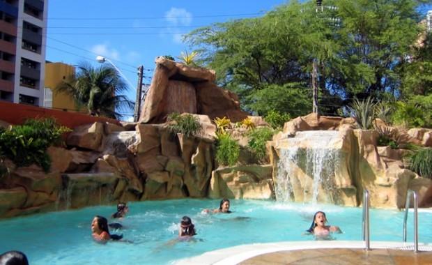 fortaleza-brazil-blue-tree-premium-fortaleza-pool[1]