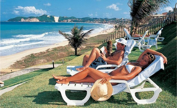 natal-rio-grande-do-norte-rifoles-praia-hotel-beach-lounge[1]
