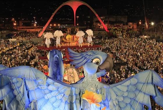 sambadrome-at-carnival-rio-de-janeiro[1]