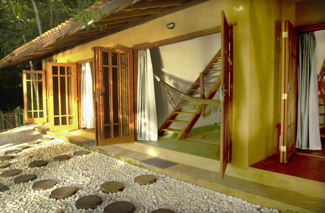 Asalem Hotel in Ilha Grande - Garden by the rooms
