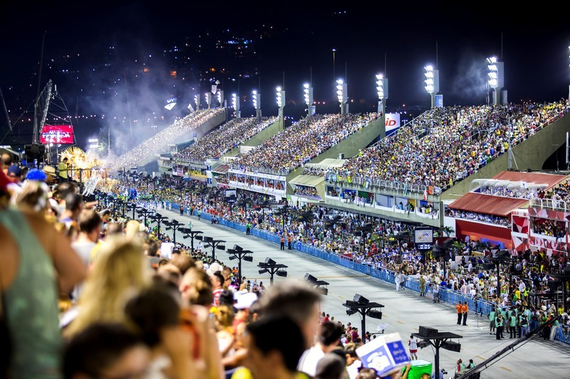 Grandstands or Luxury Suites: what is the best spot at the Sambodromo?