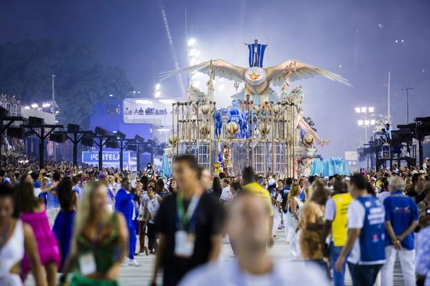 desfile escolas de samba do rio